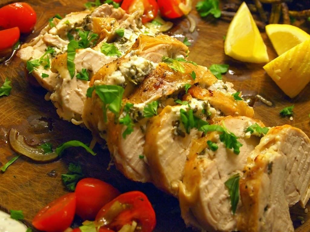Udbenet kylling med feta, persille og citronskal