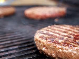 Færdiglavede burgerbøffer fra Jelling Naturkød | MadMedMartin.dk