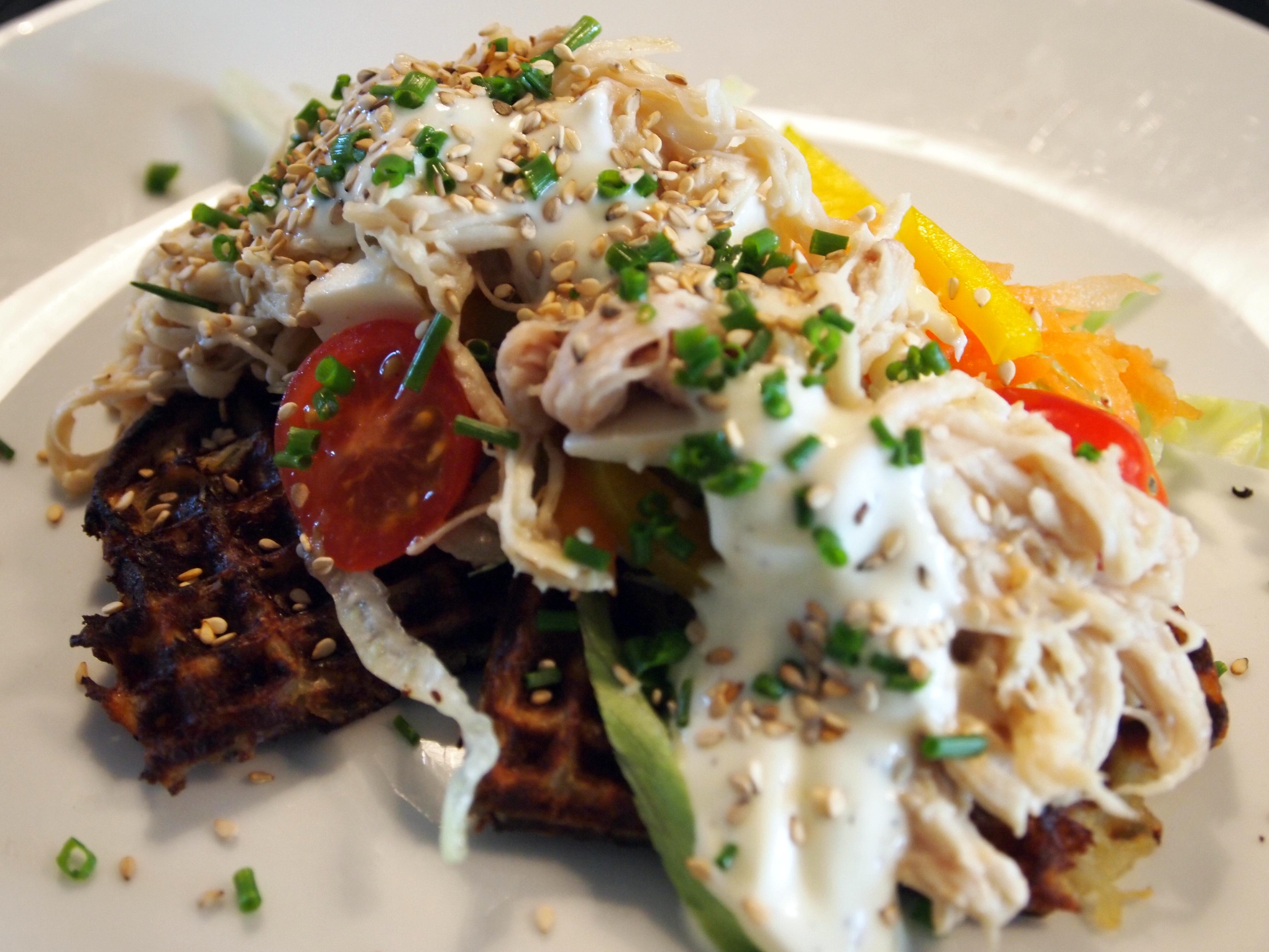 Pulled chicken | kartoffelvafler | madmedmartin.dk