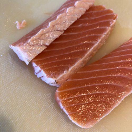 flamberet sushi laks